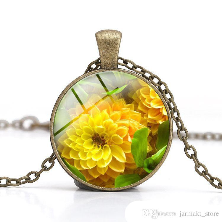 New Sunflower Crystal Pendant Necklace Glass Cabochon Dome with Love Clothes Accessory Women Jewelry Thanksgiving Valentine's day Gift