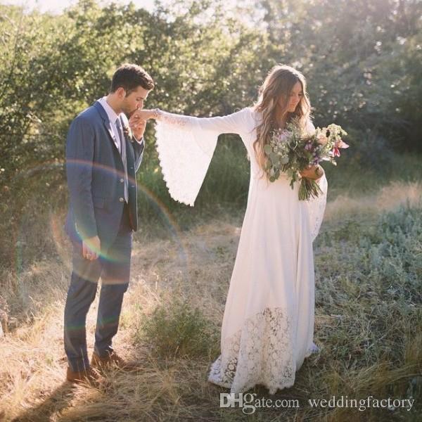 Neueste böhmische Hochzeitskleid Country Style Boho Brautkleider V-Ausschnitt Flare Bell Ärmel mit schiere Spitze nach Maß