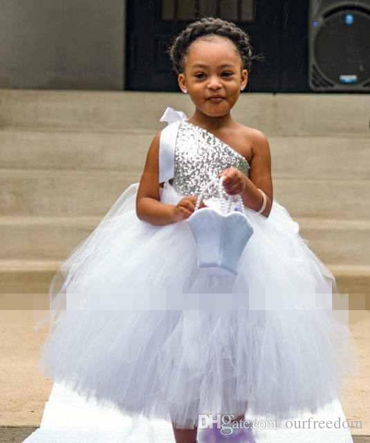 2017 Cheap Silver Sequins Tutu Flower Girls Dresses One Shoulder Floor Length Puffy Ball Gown Girls Birthday Party Gown First Communion Dres