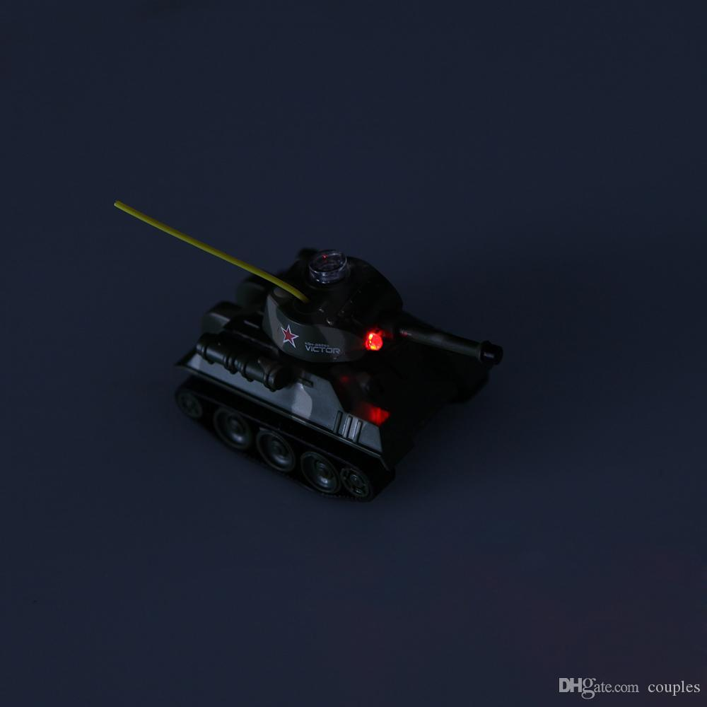 Mini RC Tank Auto 4CH Radio Fernbedienung Fahrzeug LED-Licht 4 Farben Happycow 777-215 Spielzeug für Kinder Weihnachtsgeschenk
