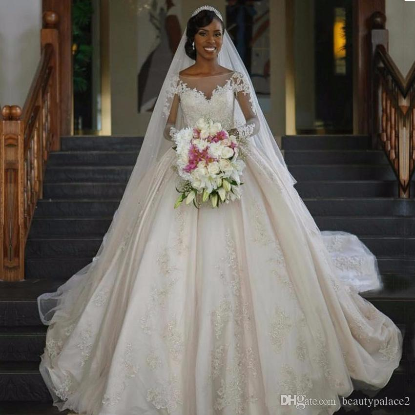 Vestido de Noiva Ball Gall Wedding Dresses 2017 Sexy Boat Neck Long Sleeves Court Train Lace Applique A Line Lace Long Sleeve Bride Gowns