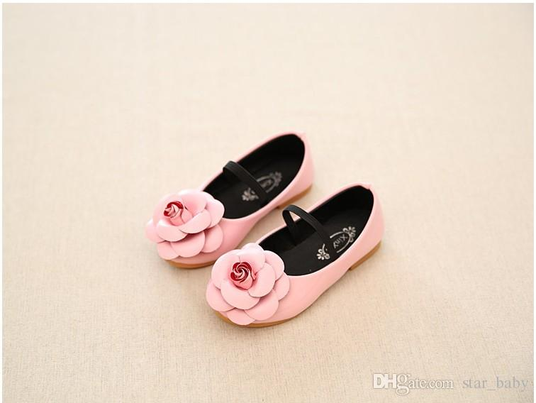 2017 Sping New Arrivals Children Girls Stereo Big Flowers Solid Color Shoes Princess Dress Floral Party Shoes Pu Retro Girls Shoes B4465