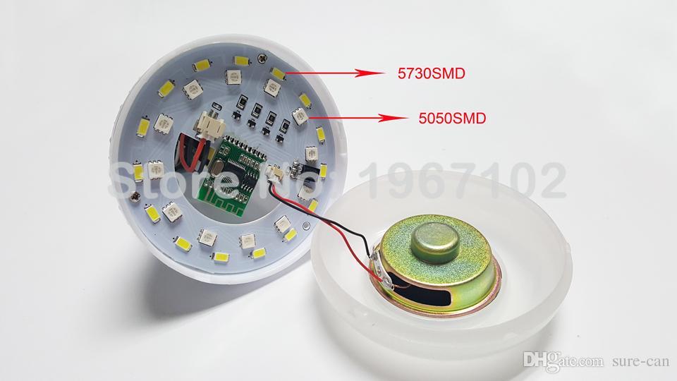 bon marché E27 ampoule de musique intelligente LED RGB sans fil Bluetooth haut-parleur ampoule 12W puissance jouant de la musique lampe + contrôleur à distance