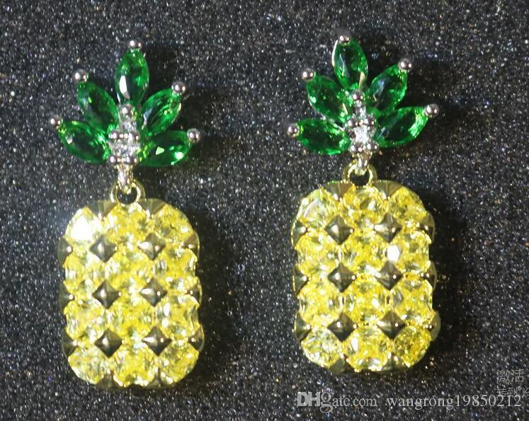 Orecchini di ananas con collane in argento 925 con aghi di zircone a forma di nastro. Colore duraturo che conserva un solo colore