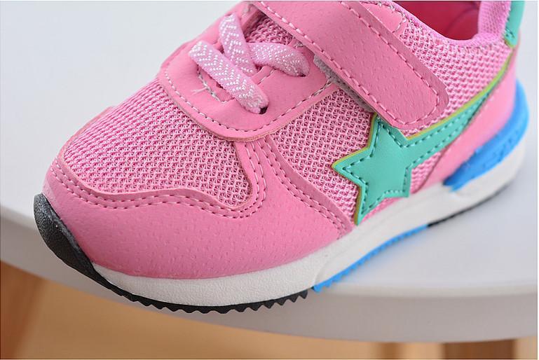 China-Großhandel 2017 Frühling Sterne Muster Mädchen junge Kinder Sneaker Schuhe Sport läuft Mesh Gummisohle atmungsaktiv Haken Schleife grün rot rosa