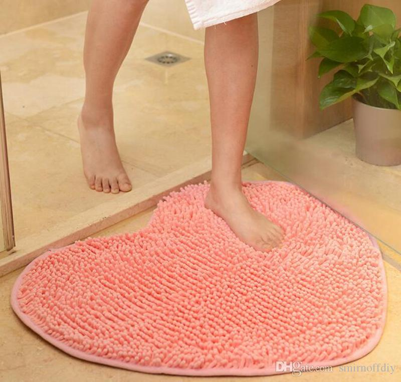 50*60cm Non-slip Bath Mats Kitchen Bathroom carpet creative chenille long hair love carpet heart shape Bath Mats for Home Decoration