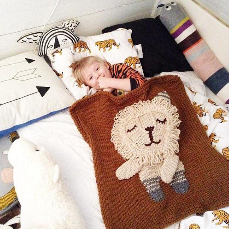 Ins 40x40cm Baby Kids Handmade Blankets 40D Cartoon Bear Elephant Fascinating Lion Blanket Or Throw