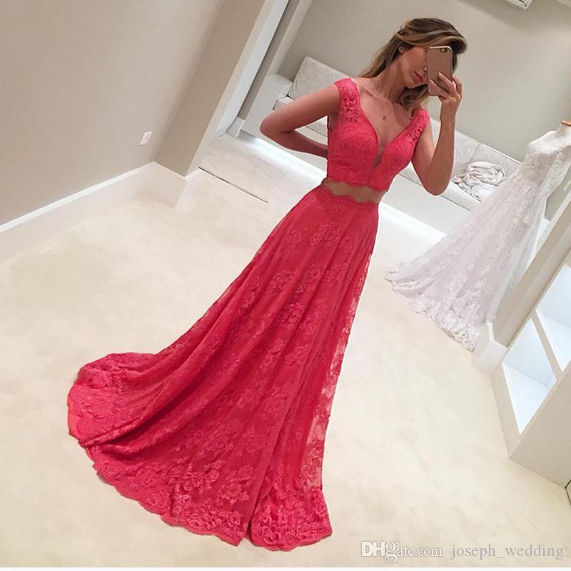 Schöne prom dress benutzerdefinierte größe flügelärmeln v-ausschnitt lange spitzenkleid für abschlussfeier 2 stück prom kleider 2017