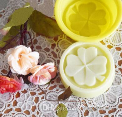 Four Leaf Clover Flower Cake Mold Silicone Handmade Soap Mold 3D Soap Molds DIY Crafts Mold Baking Tools