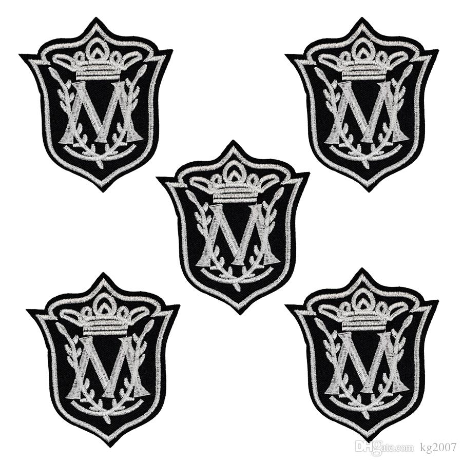 Custom Badge style patch for clothing iron embroidered patches applique  iron on patches sewing accessories for clothes 10pcs/lot