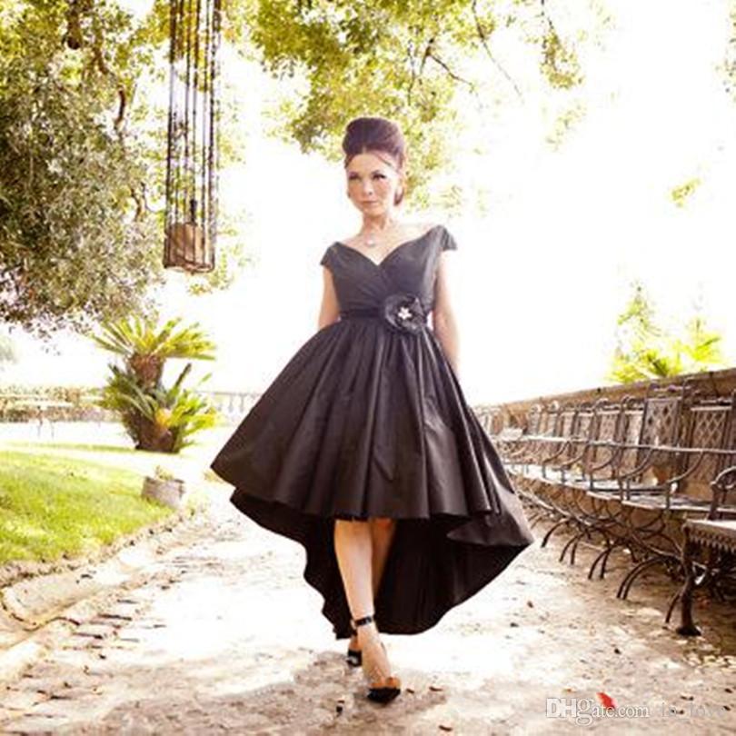 Style gothique noir haut bas robes de mariée mancherons col en V fleur devant court dos long robes de mariée vintage taille personnalisée