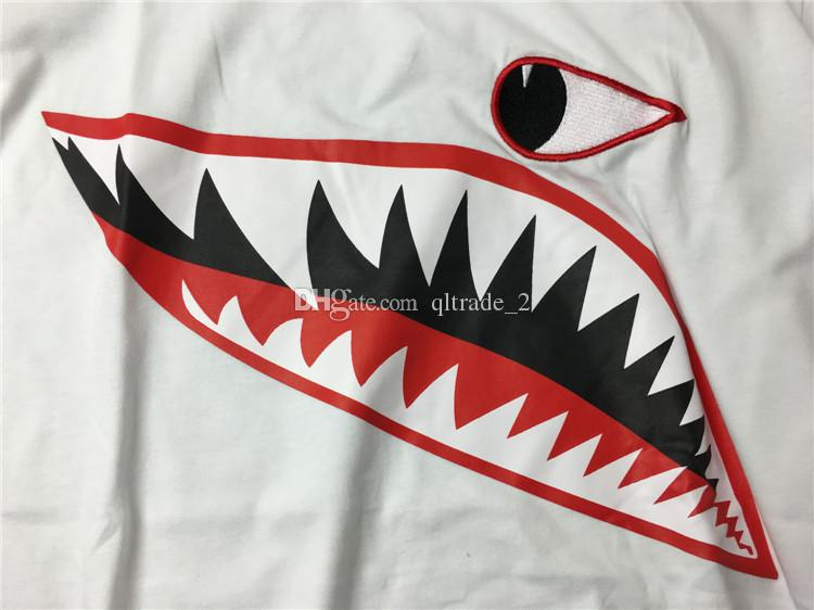 Summer 2017 new three-dimensional embroidery t shirts one-eyed shark animal printing men and women t-shirt