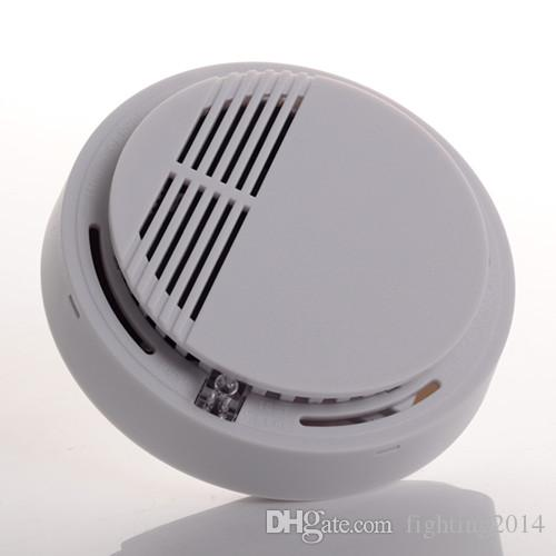 كاشف الدخان نظام إنذار الاستشعار إنذار الحريق لاسلكي كاشف الدخان أمن الوطن حساسية عالية مستقرة الصمام بطارية 9V تعمل الأبيض