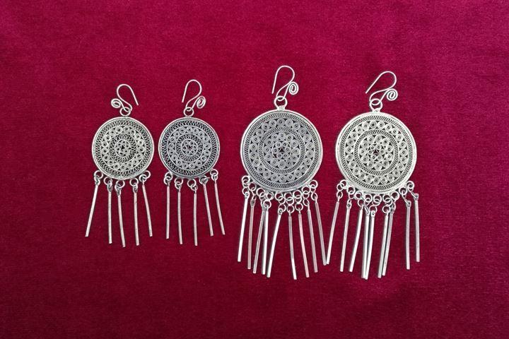 Guizhou Miao Miao stile folk gioielli fatti a mano orecchino d'argento tradizionale Orecchini nappa di seta pizzico tamburo