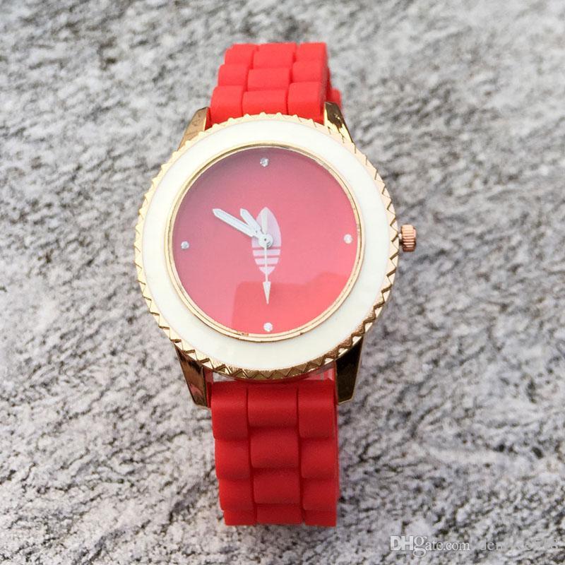 Marca de moda mujer hombre Unisex 3 hojas hoja trébol estilo correa de silicona analógico reloj de pulsera de cuarzo AD06
