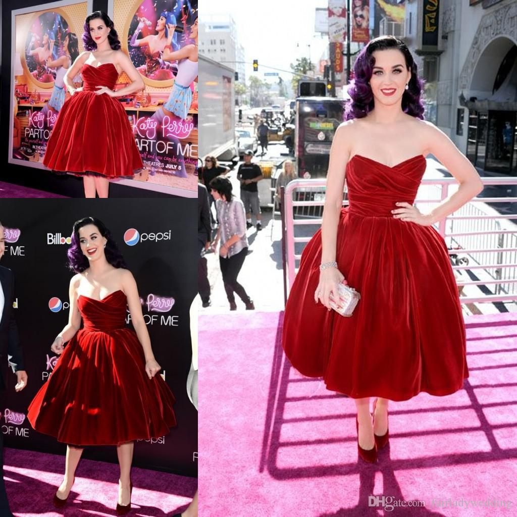Compre 2017 Borgoña Katy Perry Caliente Terciopelo De Color Rojo ...