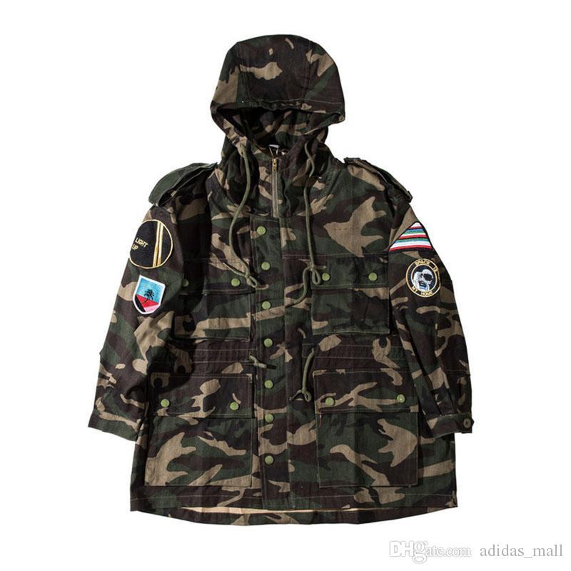 Camouflage Herren Jacken mit Hoodie 2017 Winter Stickerei Denim Material Übergroßen Camo Jacken Männer Männlichen Mantel