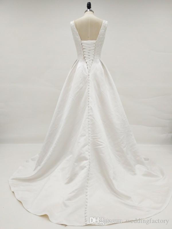 Utsökt Pärlor Pärlor Topp Plus Storlek Satin Bröllopsklänning Scoop Ärmlös Korsett Lace-up Back Real Picture Fickor Bridal Gowns Sweep Train