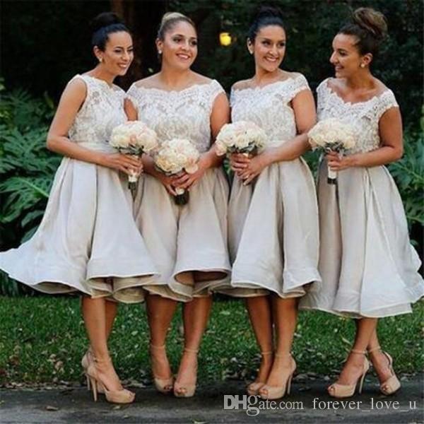 멋진 컨트리 차 길이 들러리 드레스 플러스 사이즈 깎아 지른 바투 넥 민소매 레이스 아플리케 최고 맞춤형 신부 들러리 가운