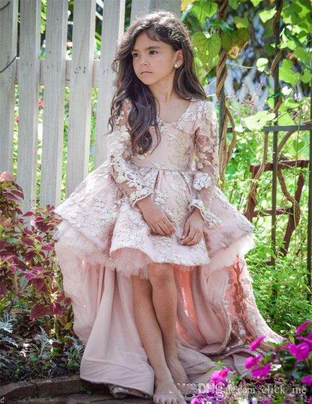 Rosa High Low Langarm Blumenmädchen Kleider V-Ausschnitt Spitze Applique Rüschen Mädchen Pageant Kleider Kinder eine Linie Kinder Prom Party Dres
