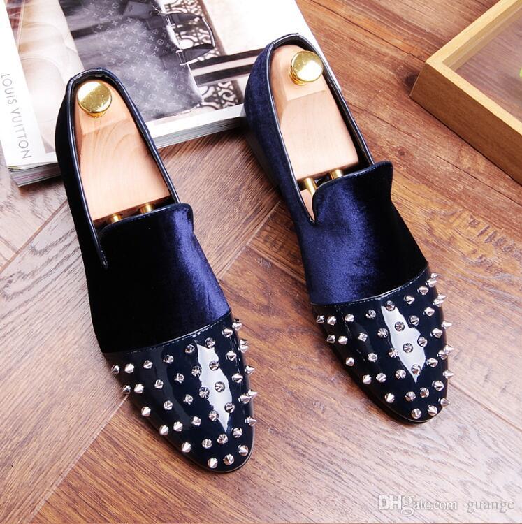 Новый стиль Мужчины Платье Обувь Мода Острым Носом Заклепки Оксфорды Мужской Бархат Свадебные Туфли Мокасины мокасины Z194