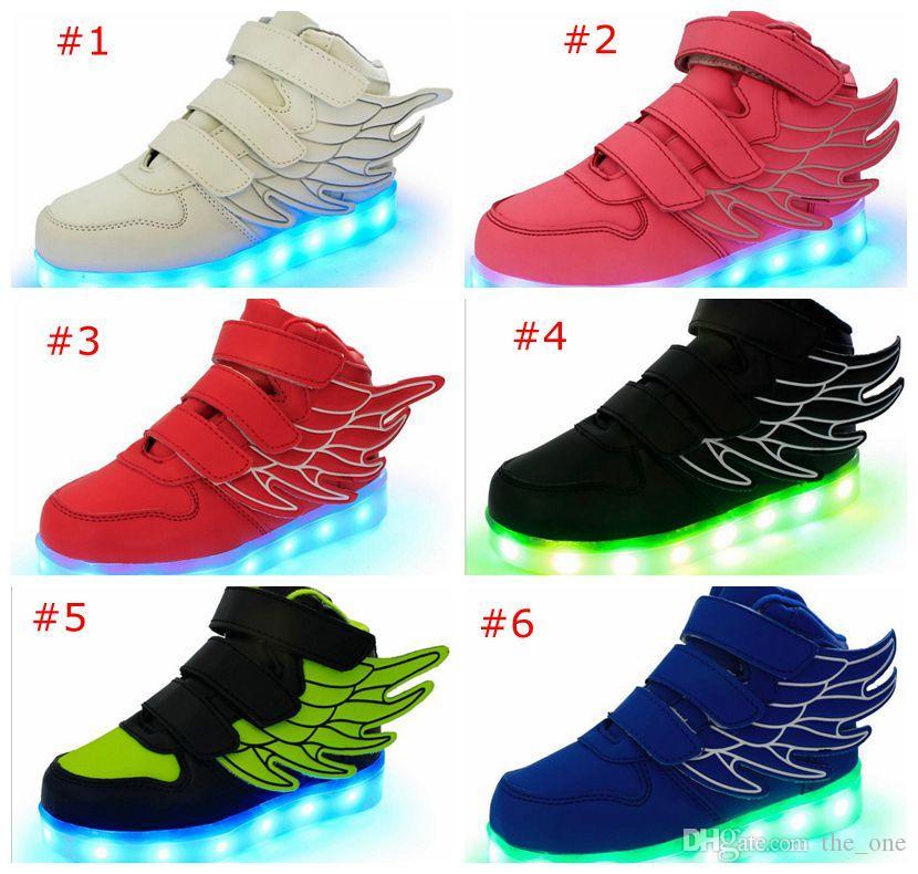 Zapatos para niños Niños Chicas Moda Luces LED USB niño Luminoso Alas Zapatillas de deporte Niños Cómodos Pisos Deportes Top fútbol de alta
