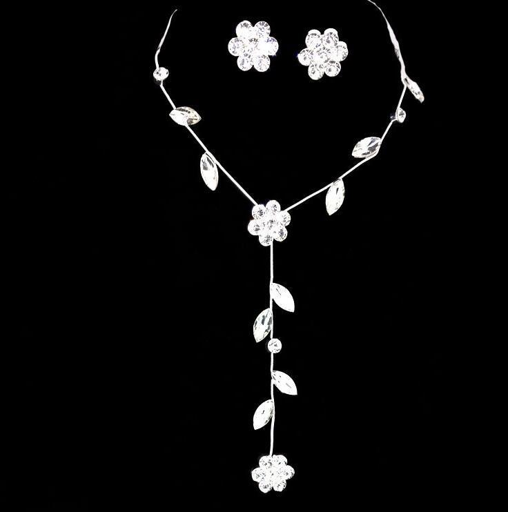 크리스탈 꽃 귀걸이 목걸이 빛나는 실버 도금 크리스탈 잎 체인 목걸이 설정 여자 여자 웨딩 파티 우아한 쥬얼리 세트