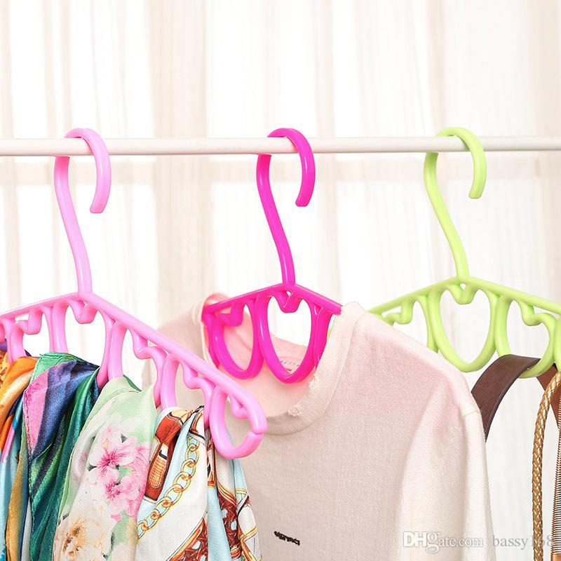 39cm Non-slip PP Hangers 7 Hearts Shape for Tops Coats Scarf Ties Accessories Plastic Hanger Racks Storage Closet