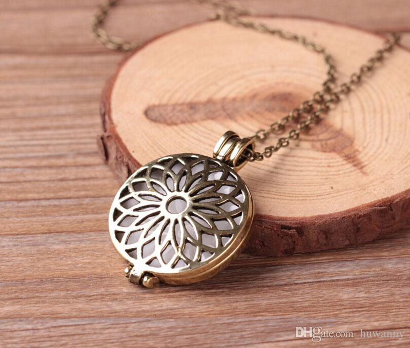 Luminous Necklace Necklaces Hot Sale Hollowed Flowers Pendants Silver Chain Necklaces For Women Girl Fashion Jewelry Wholesale 0597WH