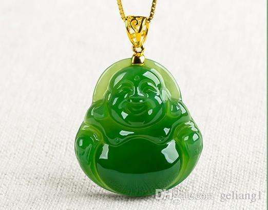 Usa le mani fare una giada - grande Buddha del ventre amuleto con una catena d'oro. Collana pendente
