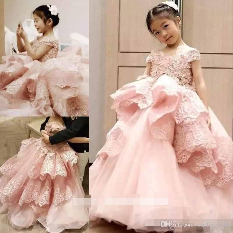 Pink Lace Ball Gown Flower Girls Dresses 2019 Jewel Neck Short Sleeve Ruffles Tiered Skirts Girls Pageant Gown First Communion Dresses