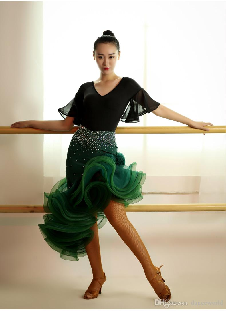 2018 Hochwertige Diamant Latin Dance Dress Erwachsene Rumba Kostüm Wettbewerb auf der Sasa Ballsaal Samba Latin Gruppe nehmen Fischgräten Rock Anzug