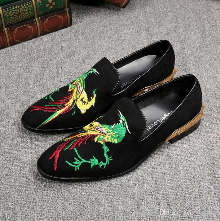 New style British Handmade men velvet shoes National wind leisure personality hairdresser overshoes foot embroidered loafers Z164