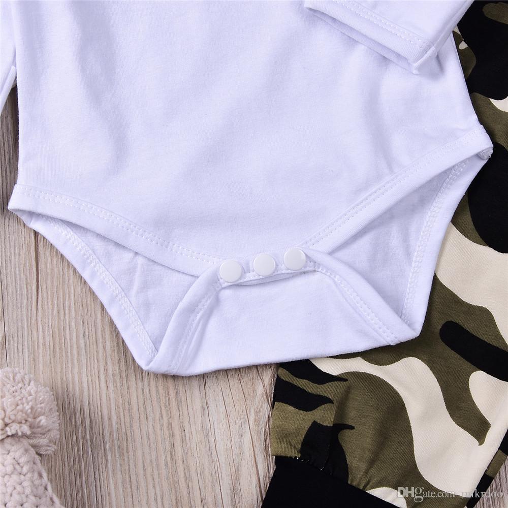 Mikrdoo 2017 Vestiti caldi del bambino Vestiti Cervi bianchi Sono qui Pagliaccetti Pantaloni mimetici Cappello Imposta vestiti di cotone Top Cool abiti di Natale