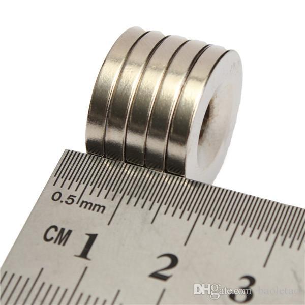 Magneti N50 20x3mm Strong Round svasati a forma di anello con magnete al neodimio da 5 mm