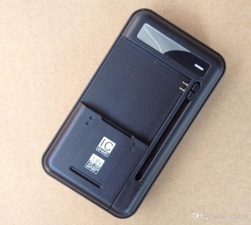 Evrensel Akıllı USB LCD Gösterge Duvar Seyahat pil Şarj iphone samsung HTC LG cep Telefonu için usb çıkışı ile şarj portu