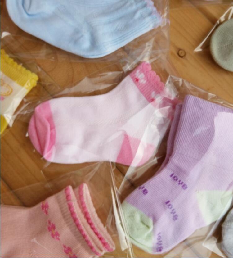 Neugeborenes Baby trifft reizenden Innenprewalker-Breathable Baumwollsocken-Säuglingskleinkind-Karikatur-rutschfeste Socken-Kindersocken 0-1T hart Freies Verschiffen