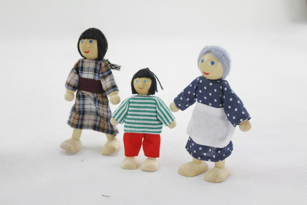 2016 New Lovely Wooden Dolls 2/4/6 Membri della famiglia Genitori marionette Giocattoli Set Bambini Bambini fingono strumenti di storia