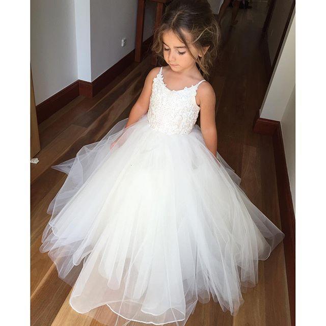 Pas cher Spaghetti Dentelle Et Tulle Fleur Fille Robes Pour Mariage Blanc Robe De Bal Princesse Filles Pageant Robes Enfants Communion Robe