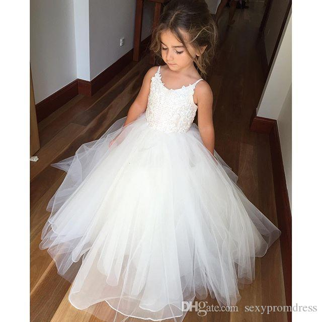 Spaghetti encaje barato y vestidos de niña de flores de tul para la boda vestido de fiesta blanco Princesa Girls Vestidos del desfile Niños vestido de comunión
