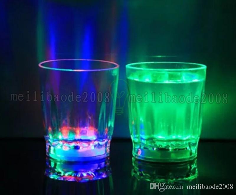 Nagelneue bunte LED blinkende Felsen Barware Acrylbierkrug-Cola-Getränk-Schale für Partei-Stab-Dekorations-Versorgungsmaterialien MYY