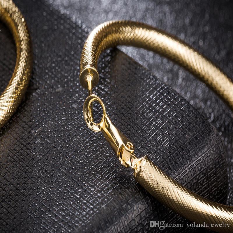 Yeni Comings Hotsale Moda Womens 18 K Sarı Altın Kaplama Hoop Küpe Huggie Takılar Kulak Çiviler Takı için Parti