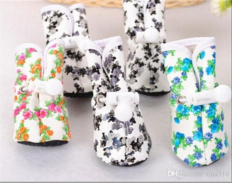 Vente en gros - Nouveau chien bottes de pluie chaussures imperméables chaussures d'intérieur bottes pour animaux de compagnie imprimés antidérapants 3 couleurs IA029