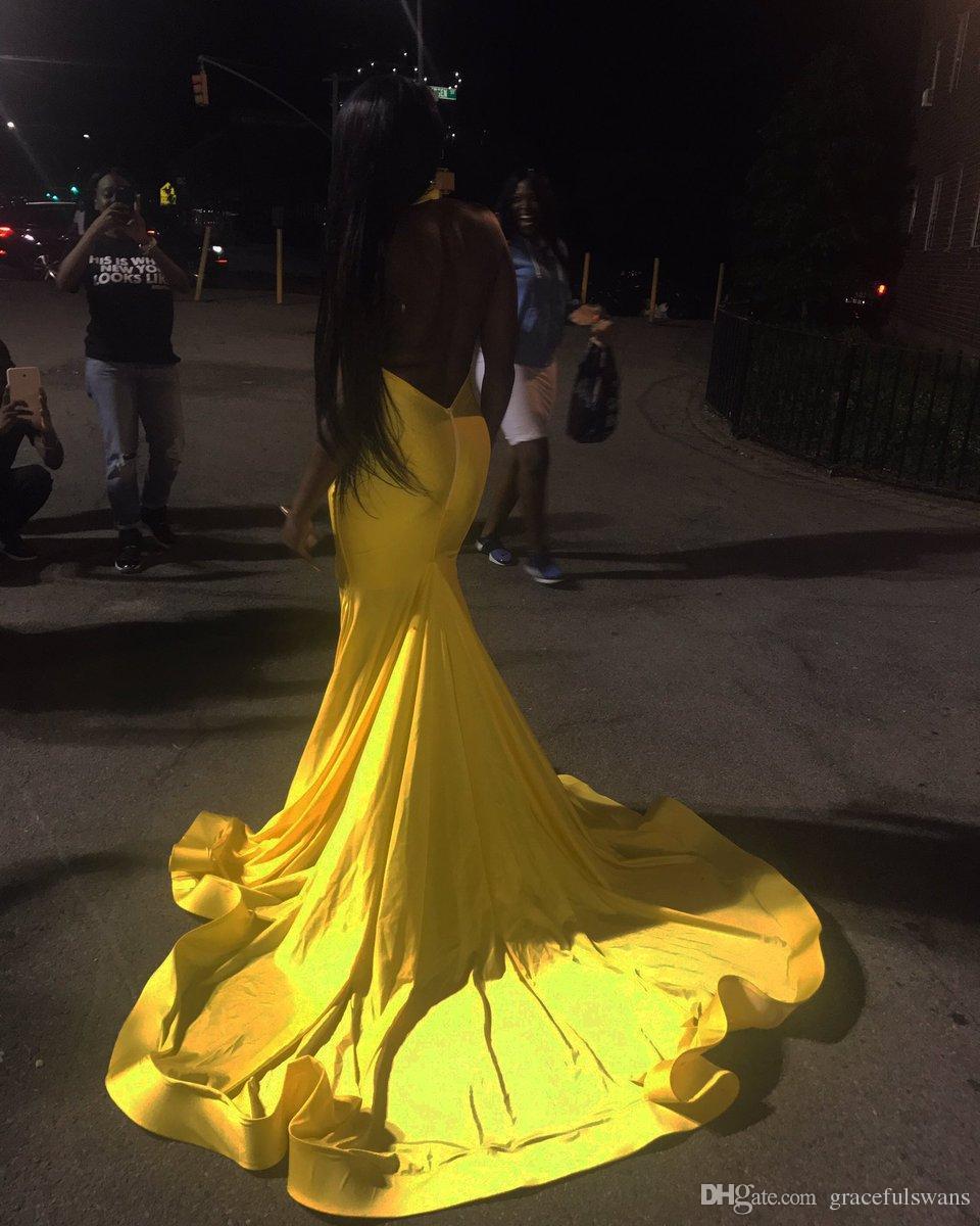 Robes de soirée de bal des filles noires halter perlé profond v devant robes africaines robes de bal jaune robes formelles avec la jambe fendue dos nu robes de graduation