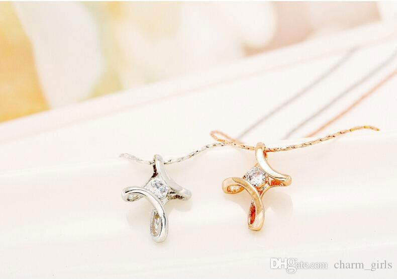 Hot sale Women Crystal Cross Pendant Necklace Charms Rose Gold /Silver Plated Fashion Luxury Cross Cute Wedding Pendant Necklaces