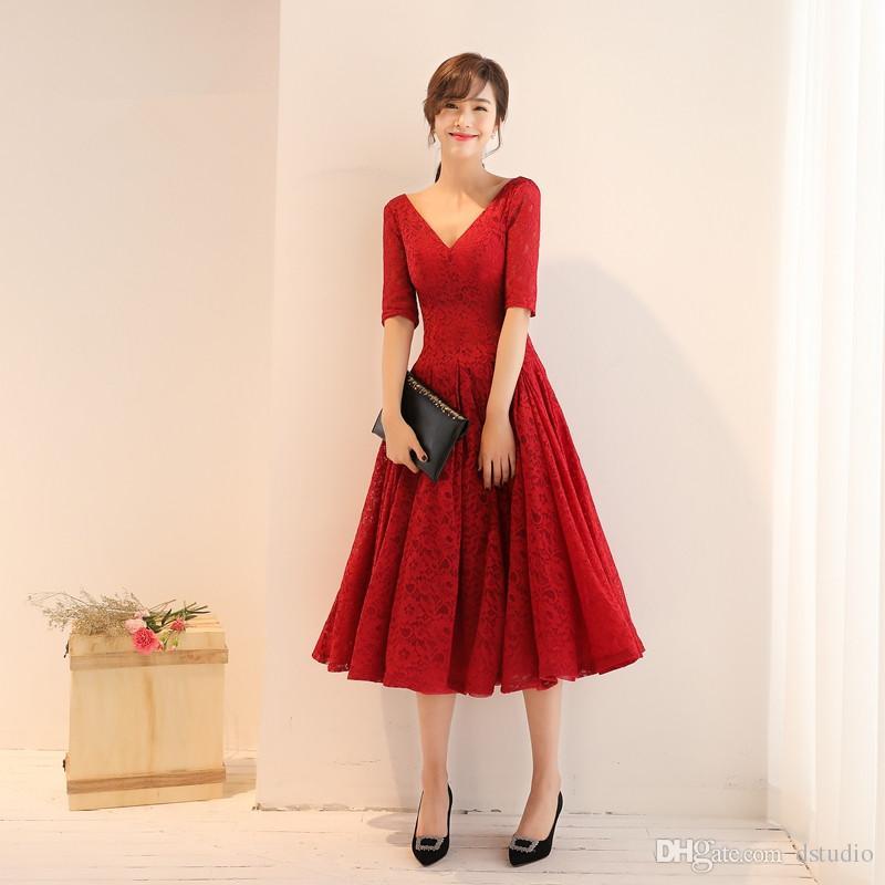 a6a0baf8e9 Compre Vestidos De Baile De Encaje De Lujo Medias Mangas Con Cuello En V De  Té Longitud Del Vestido De Fiesta De Encaje De Vino Rojo Por Encargo Azul  Real