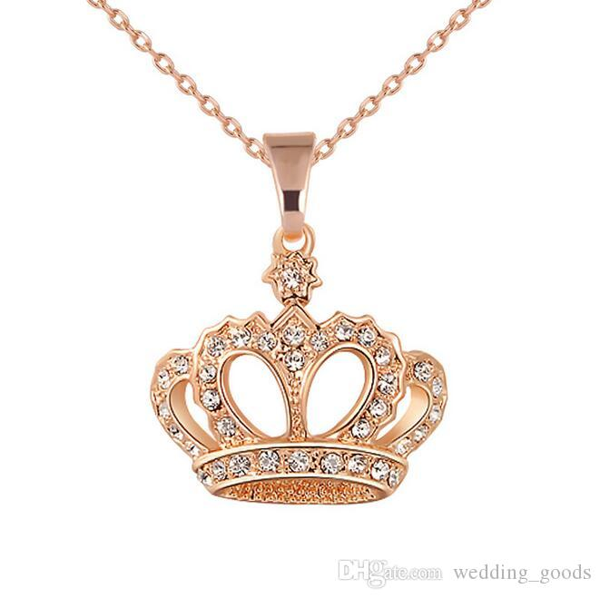 Good A++ Decorative fashion diamond necklace distinguished personality gold crown pendant WFN417 with chain a