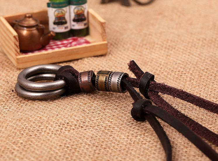 Wholesale Fashion Jewelry Circle Alloy Necklace Men's Personality Leather Rope Clavicle Necklace Casual Vintage Punk Necklace N0046
