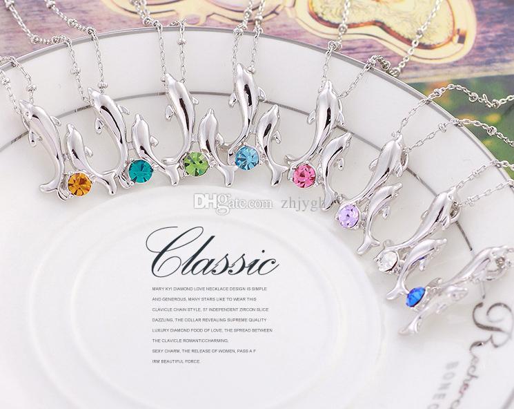 Europäische und amerikanische Großhandelsschmucksachen, hängende Halskette des glücklichen doppelten Delphinkristalls, Legierungshalskette, 8 Farben, freies Verschiffen