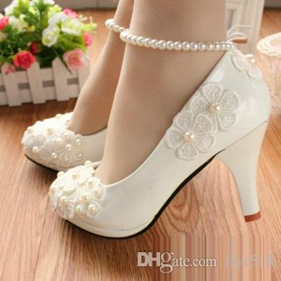 76806a0fec5953 2017 Summer Flat Single Shoes New Red Hand Marriage Marry the Bride Shoes  Show a Bridesmaid in Comfortable Shoes Dress Shoes High Heel Sandals Pumps  Online ...